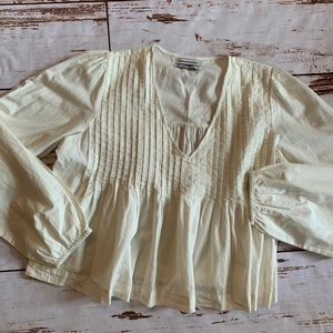 Urban Outfitters ivory top size Med NWOT